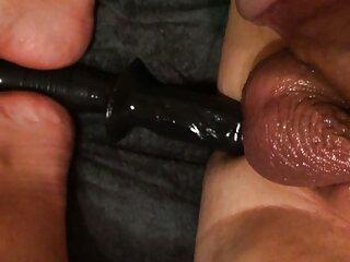 Amatoriale matura apre le gambe e film erotici porn si masturba duro