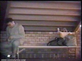 Ava film erotici video Addams wakes su lei tenant con un pompino