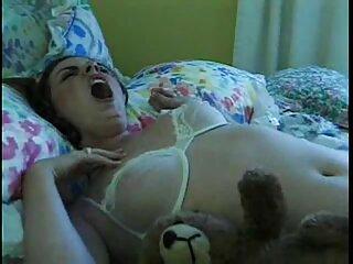 Il canadese Shanda Fay sta per video erotici amatoriali gratis masturbarsi al fiume