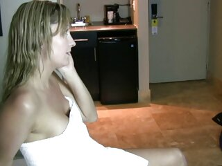 Per festeggiare l'estate video scopate erotiche una bella orgia in piscina!