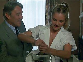 Tanti complimenti video massaggi cinesi hard alla cameriera che finisce per cadere .