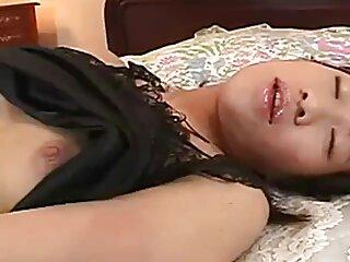 Antonella, la Milf che ama film erotici italiani streaming succhiare cazzi di giovani