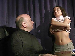 La riunione di vecchi films erotici gratis studenti finisce in una buona orgia