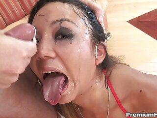 Il bastardo voleva scopare la madre della sua video erotoci gratis ragazza