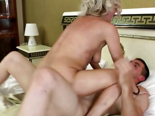 Amatoriale coppia matura cazzo sotto massaggi erotici italiani la doccia