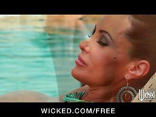 Il monitor della palestra ottiene quello film erotici gratis italiani che stavo cercando .